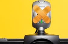 Jeden na pięciu Europejczyków zakrywa swoją kamerę internetową z obawy o szpiegostwo