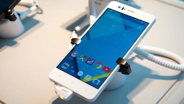 Zakup nowego telefonu – praktyczne porady