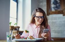 Jeśli nie flagowiec to co – jaki smartfon zamiast najnowszych modeli?