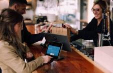 Wady i zalety płatności mobilnych – czy warto się na nie decydować?