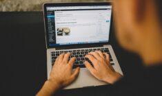 Na czym polega kupno domeny internetowej?